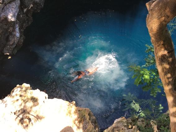 sapphire blue hole eleuthera